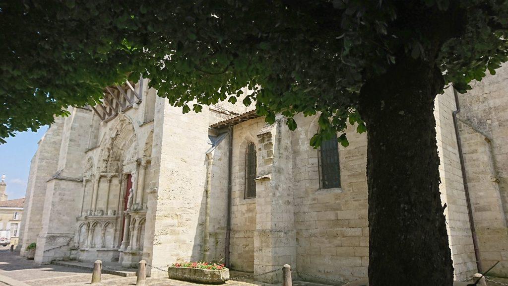 Porte_Laterale de l'Eglise de Saint-Emilion
