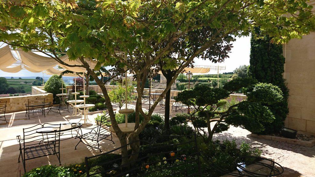 La terrasse de l'Hostellerie de Plaisance